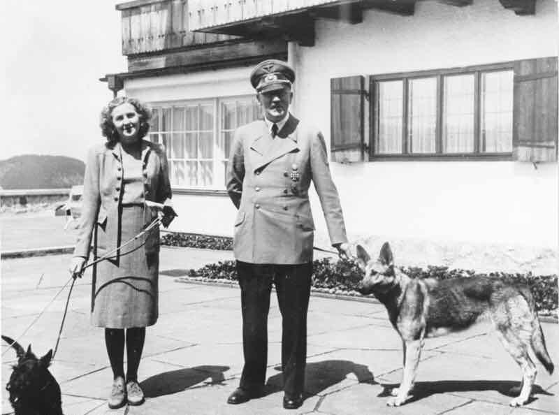 エヴァブラウン&ヒトラー